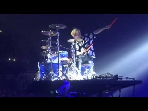 The Vamps - Tris & Brad Drum Off - Sheffield Arena