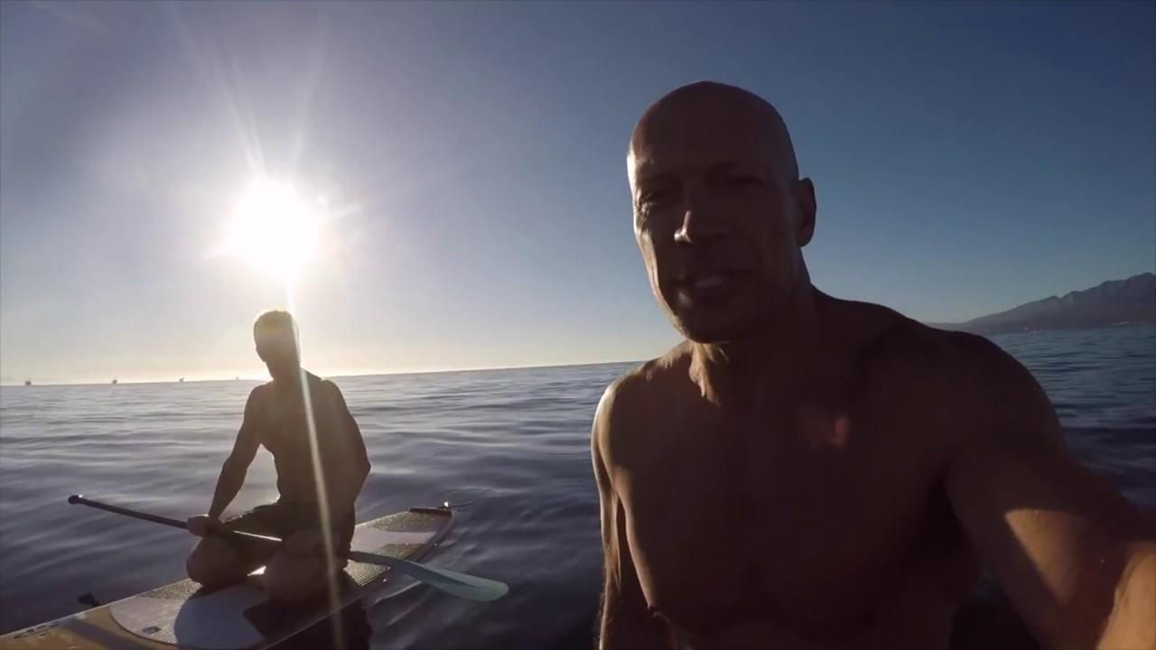 Сможет ли человек, прошедший 5 IRONMAN, доплыть до нефтяных платформ в открытом океане