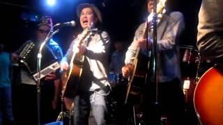 2011.3.19.東日本大震災被災地への義援金と応援歌を送るため急遽学芸大...