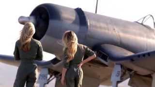 P-51 Mustang vs F4U Corsair - Breitling Full Spot
