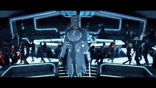 Кевин Флинн приходит на помощь сыну ... отрывок из фильма (Трон: Наследие/TRON: Legacy)2010