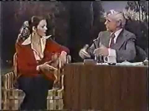 Lynda Carter Interview - JOHNNY CARSON TONIGHT SHOW