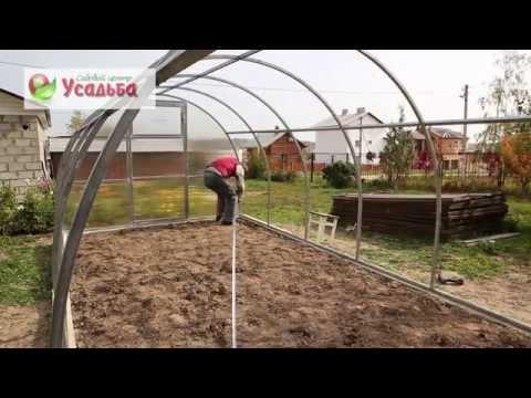 видео: Сборка теплицы из поликарбоната usadba33.ru