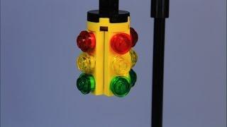 Arduino DIY: Traffic Lights with a Pedestrian Crossing