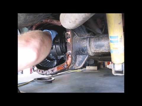 03 Ford F150 Rear Axle Seal/Bearing Replacement Part 3 - Axle removal