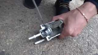VW polo sedan / пилим топливный фильтр, что внутри?
