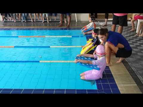 Amnuay silpa 2014 sport day swimming y1