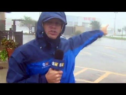 Jason Allen Braves Hurricane Harvey In Victoria