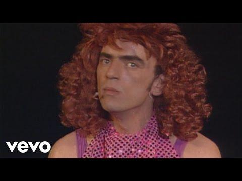 Elie Kakou - L'attachée de presse (parodie de Dalida) (Live à l'Olympia 1994)