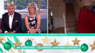 Meeting Mr Christmas | This Morning