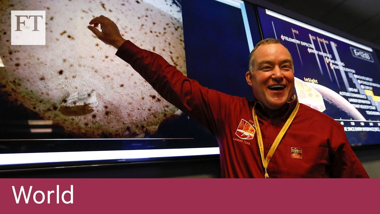 Nasa celebrates InSight probe landing on Mars