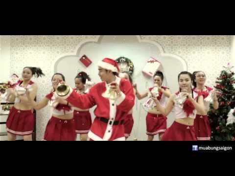 We wish you a merry Christmas - Học nhảy Zumba cùng Mr. Túc   SaigonDance