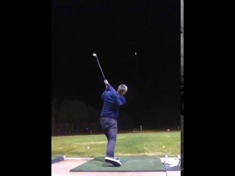 Dude hitting golf balls like Moe Norman