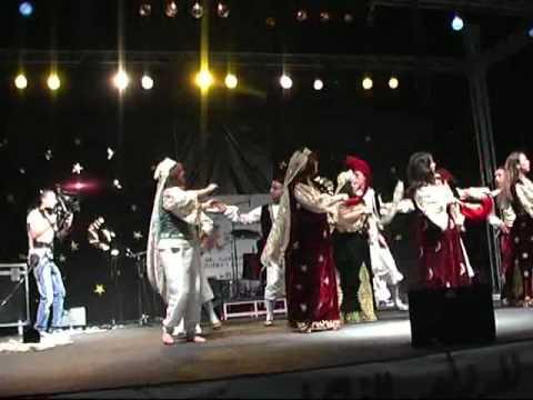 """Ballet """"Djoussour Kasantina"""" au festival de dance Tizi-Ouzou 2011"""