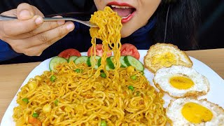 ASMR:MAGGI MASALA NOODLES STREET STYLE RECIPE*EATING MAGGI NOODLES*