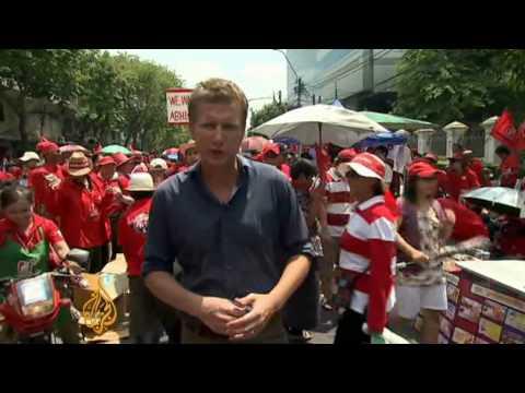 'Red Shirt' protesters swarm Bangkok