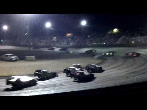 Daniels@Superbowl Speedway modified feature 7-23-16