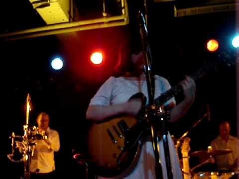 Camera Obscura-Country Mile&Swans-2008.10.25-Taipei LIve(9)