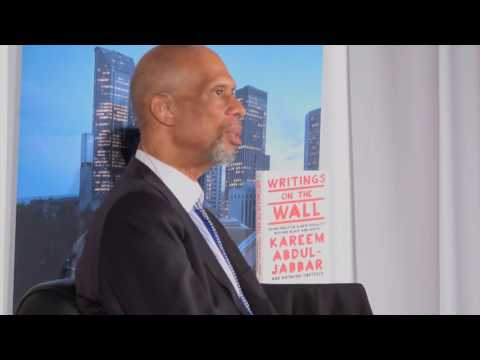 Kareem Abdul-Jabbar With Art Thiel: Writings On The Wall