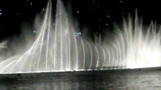 Duabi Mall/Burj Khalifa Dancing Water Fountain show