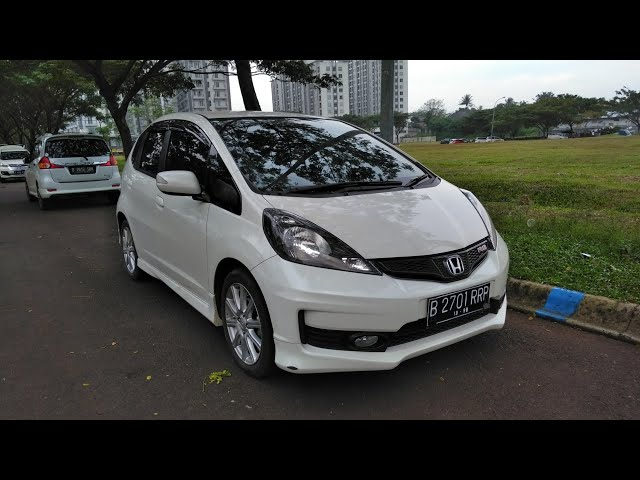 Honda Jazz [GE8] RS A/T 2013 In Depth Review Indonesia Ft. LUGNUTZ Auto Junkie