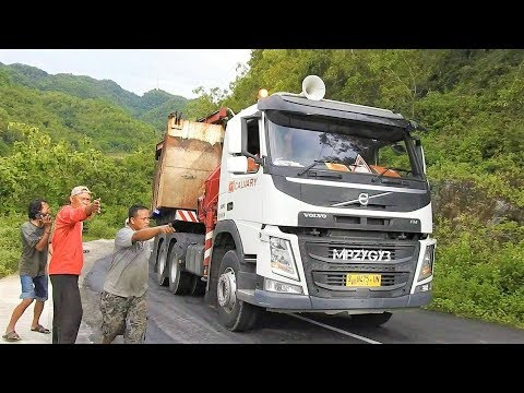 Gunungkidul Extreme Road Trucking By Calvary VOLVO FM FMX 480