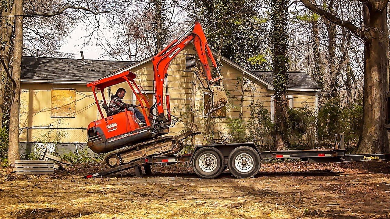 Loading Kubota Mini Excavator On Trailer Hd Youtube