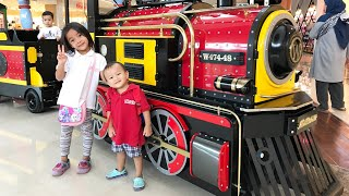 Video Naik Kereta Api tut tut tut | Kenzo sighseeing in BXchange Mall | Naik Kereta Keliling Mall download MP3, 3GP, MP4, WEBM, AVI, FLV Juli 2018