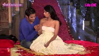 Mallika Kisses Vijay