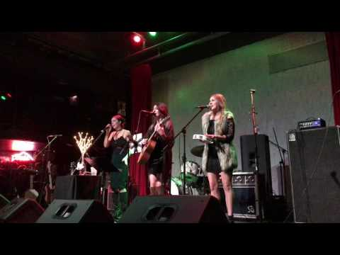 OLIVIA FOX Live Performance