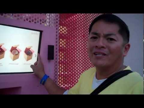 SPRINKLES CUPCAKE ATM VENDING MACHINE IN BEVERLY HILLS IN LOS ANGELES, CA!!! PART 1