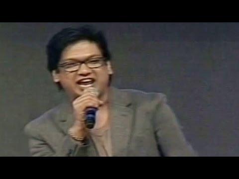 Vijay Prakash Singing - Aaradugulula Bulletu - Song In Attarintiki Daredi Audio Function - HD (2013)