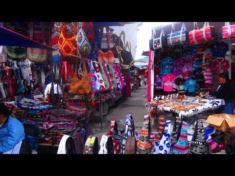 Tour Mercado Otavalo - Otavalo Market Quito, Ecuador - Amazing and really cheap alpaca clothes!