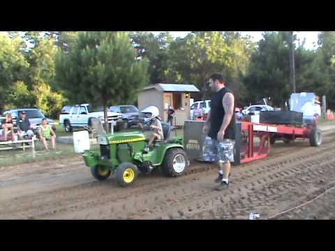 John Deere Garden Pulling Tractor   More John Deere Tractors