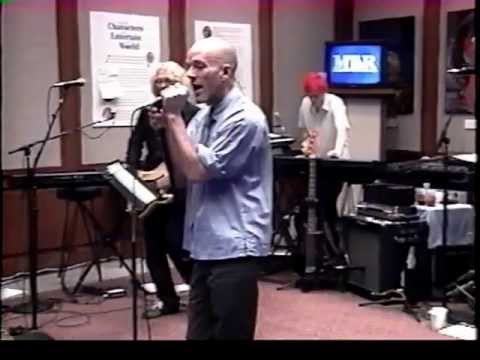 R.E.M. - Losing My Religion (live Museum of Television & Radio 2001)