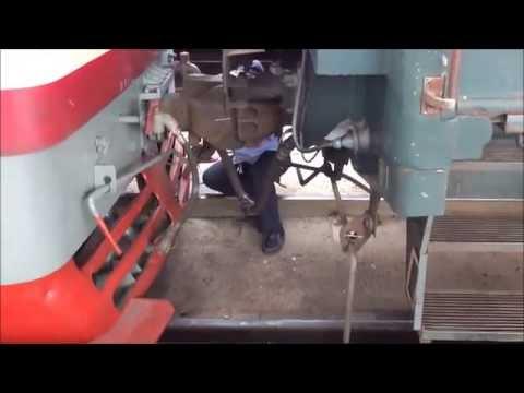 [China Railway] Coupling a locomotive in Qiqihaer 中国鉄道の機関車連結作業一部始終
