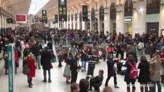 Flash Mob de West Coast Swing - Freeze & Dance - Paris St Lazare 12 janvier 2013  (Version 2)