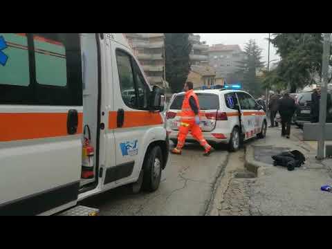 Tentata esecuzione in via dei Velini a Macerata: killer spara da un'auto contro un passante