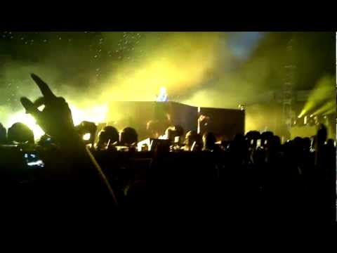 Pon de Flor / I Just Came to Say Hello - Afrojack - Electric Zoo 2011