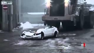 Il écrase la voiture de son patron