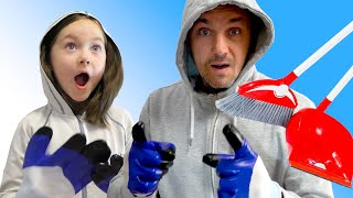 Liza and Dad have a big house cleaning | SKORIKI
