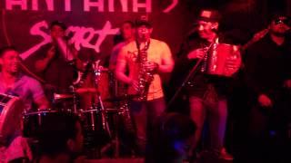 Nicol Peña - El Lio @Santana's Sport Bar (2012) - www.ilovetipico.com
