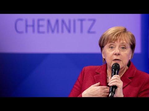 Меркель признала ошибки