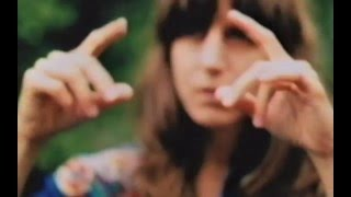 Eleanor Friedberger - Sweetest Girl (Official Video)