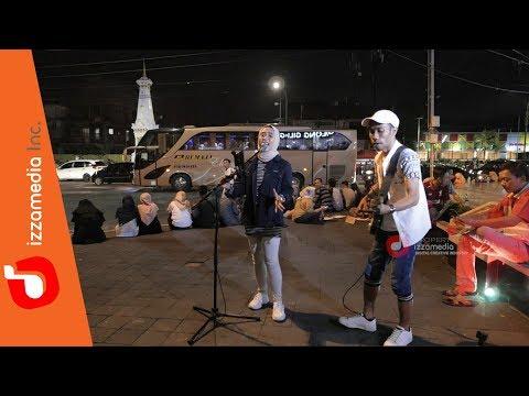 Yang Terlupakan - Iwan Fals   Zie & Tofan Live Cover , Tugu Pal Putih Yogyakarta