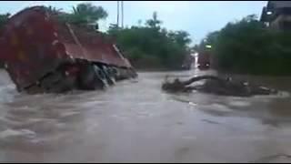 Crazy truck driver sinks truck in Dar es Salaam floods