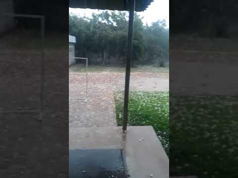 Chuva de granizo surpreende moradores de Sátiro Dias (BA) e região; veja vídeo