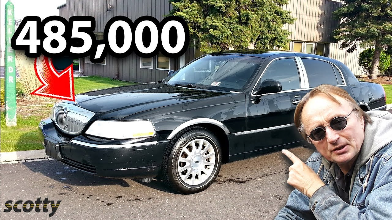 here-s-what-a-lincoln-town-car-looks-like-after-485-000-miles