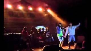 roompoet hijau - lepas resah(Live).mp4
