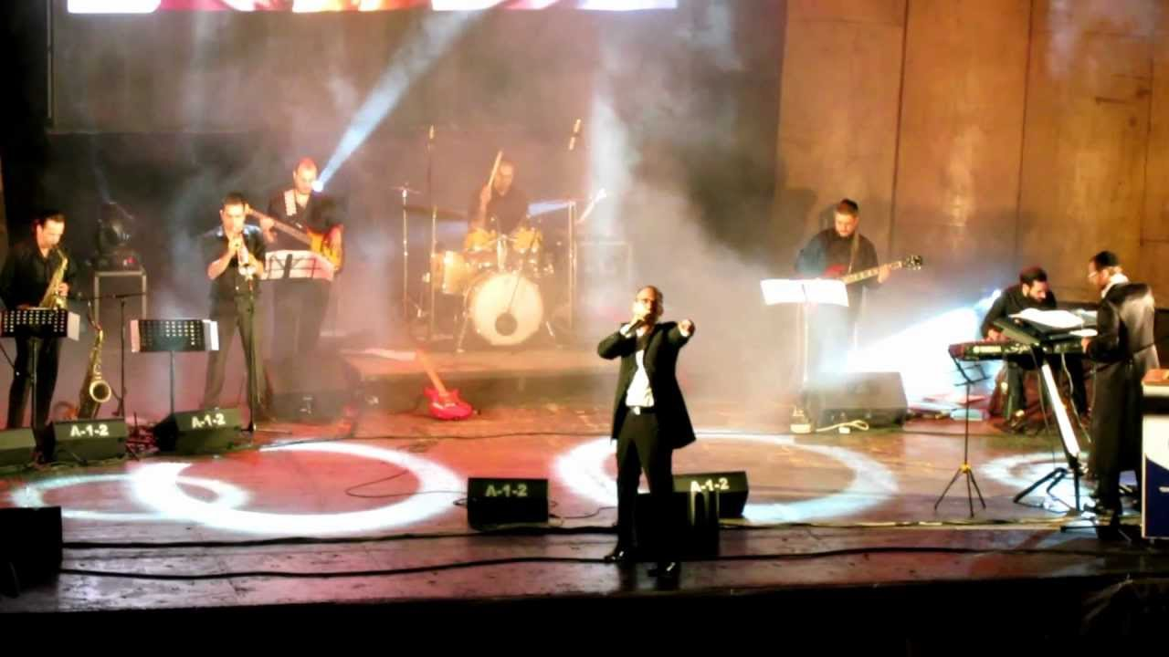 Yishai lapidot singing his famous